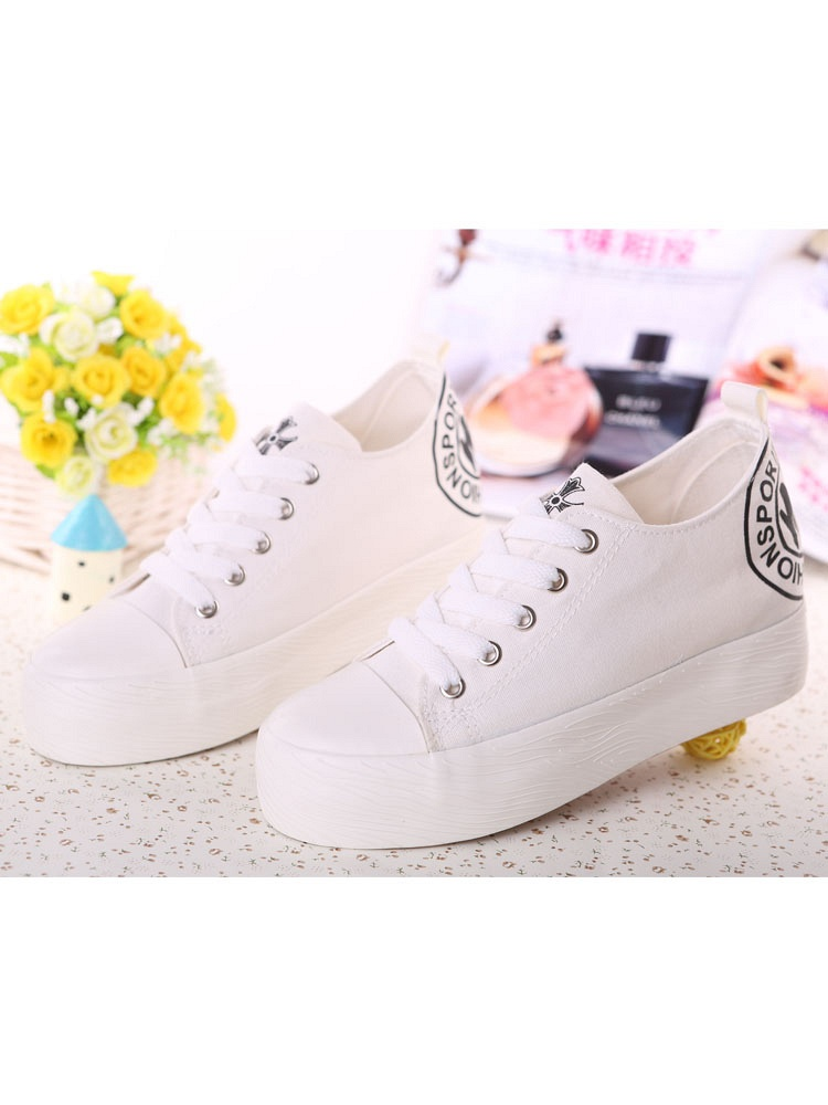 美女白鞋踩踏 美女白袜踩踏