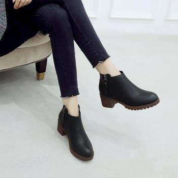 ZHR-舒适保暖英伦风粗跟短靴
