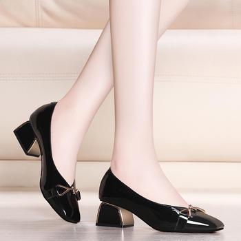 女方头中跟浅口套脚女士单鞋