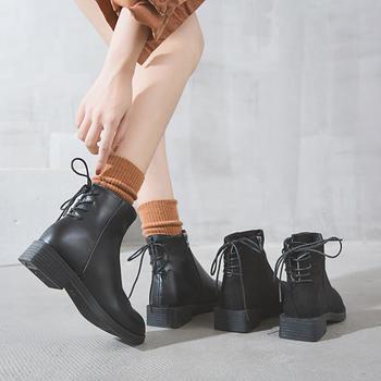 艾微妮交叉系带百搭魅力低跟短靴