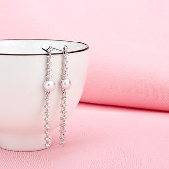 925银锆石淡水珍珠耳钉 一见倾心