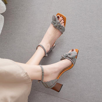 慕沫女鞋夏季新款凉鞋露趾?#25351;?#20013;跟鞋一字扣带罗马鞋