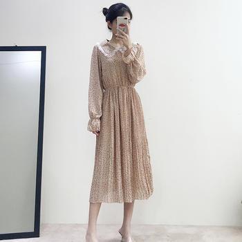 兰菲2019春夏新款一粒扣娃娃领百褶小波点连衣裙
