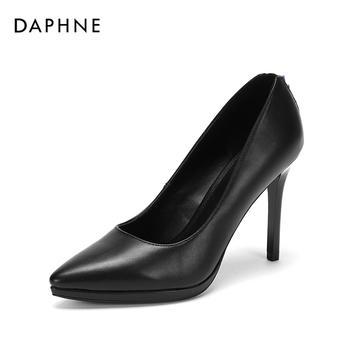 Daphne/达芙妮秋新品防水台尖头细跟时装单鞋1018404021