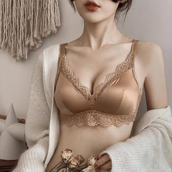 维妮芳 薄款大胸显小无钢圈光面文胸 有插片防凸点多种美背穿法
